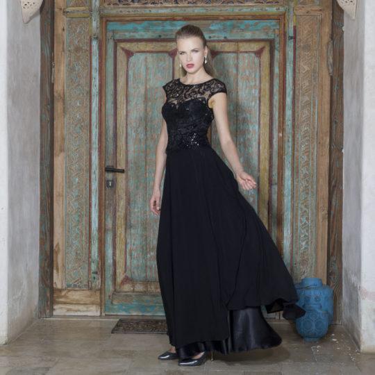 שמלת מקסי מחמיאה שחורה