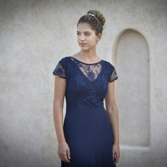 חלק עליון של שמלת ערב במחשוף וי